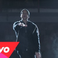 Video: Eminem | Guts over fear ft. Sia