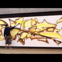 Graffiti: Mr Shiz | Gold graffiti piece