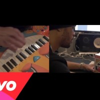 Video: Maejor   Makes beat out of toys