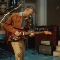 Video: Tom Misch | It runs through me ft. De La Soul (subtitulado)